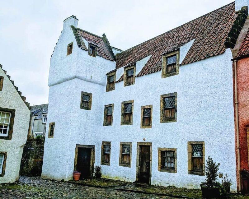 Outlander Culross Geillis Duncan House