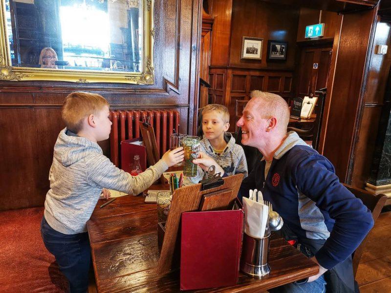 Glasgow mangiare con bambini