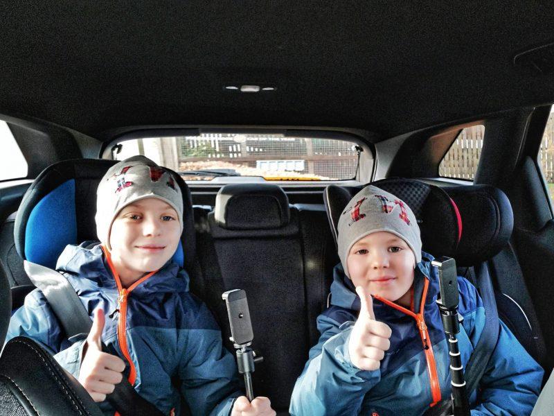 Bambini in auto a noleggio in Scozia