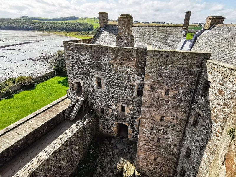 Blacknes Castle
