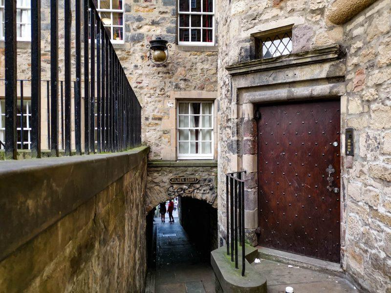 Milne's Close Edimburgo